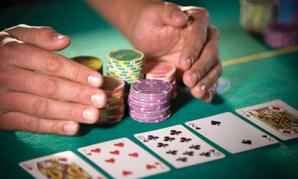 Online Poker compared To Offline Poker